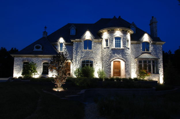 Residential Homes Outdoor Lighting In Chicago Il