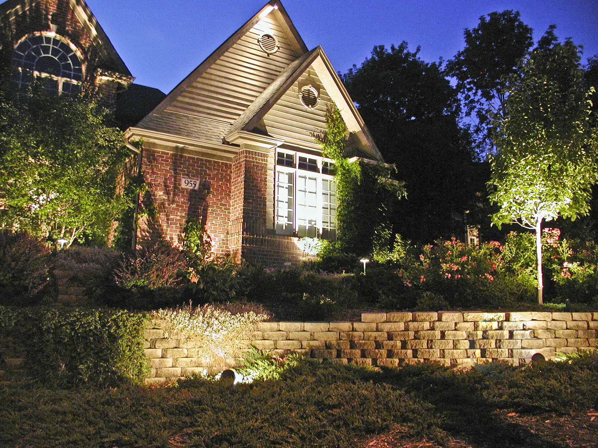 Accent lighting outdoor lighting in chicago il outdoor accents Exterior accent lighting for home