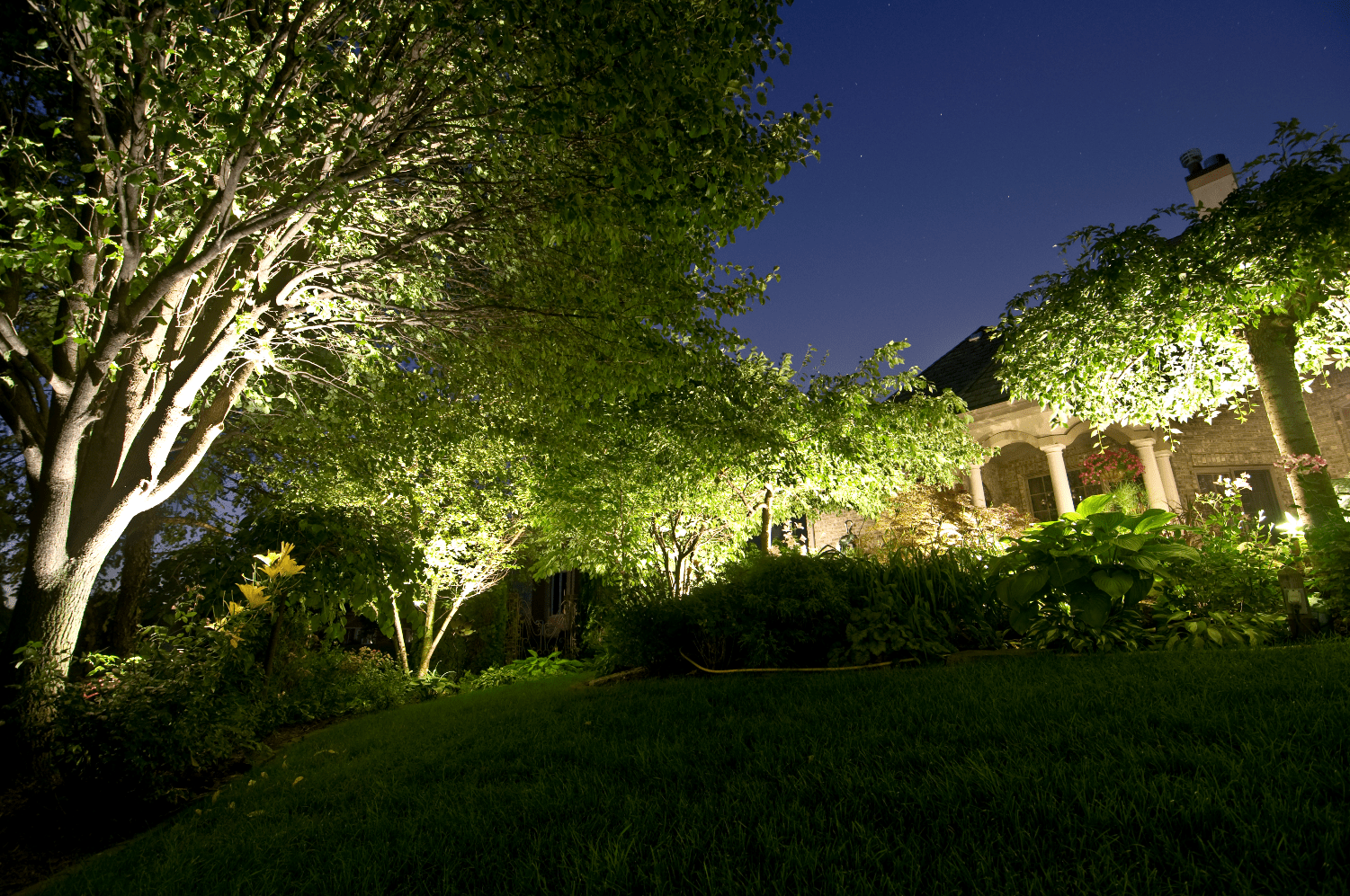 Landscape Lighting Outdoor Lighting In Chicago Il